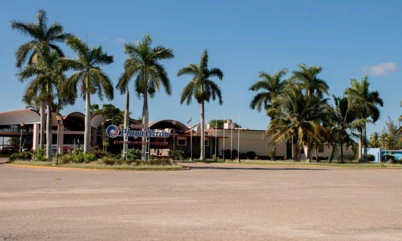 Hotel Playa Giron, v ospredju palme