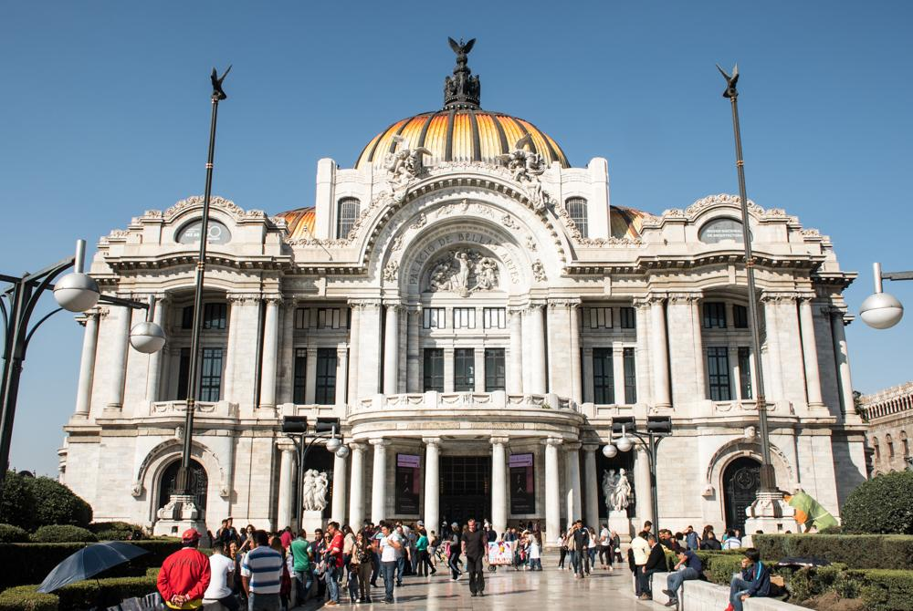 Palacio Bellas Artes - a must visit during your 4 days in Mexico City