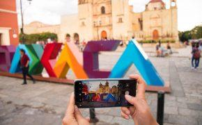 An Oaxaca sign (What to do in Oaxaca cover photo)