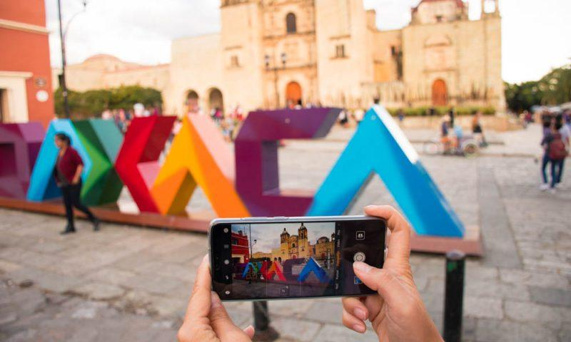 An Oaxaca sign (What to do in Oaxaca cover photo)