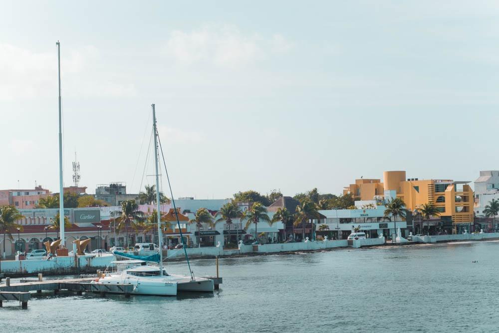 Pogled na Cozumel iz trajekta
