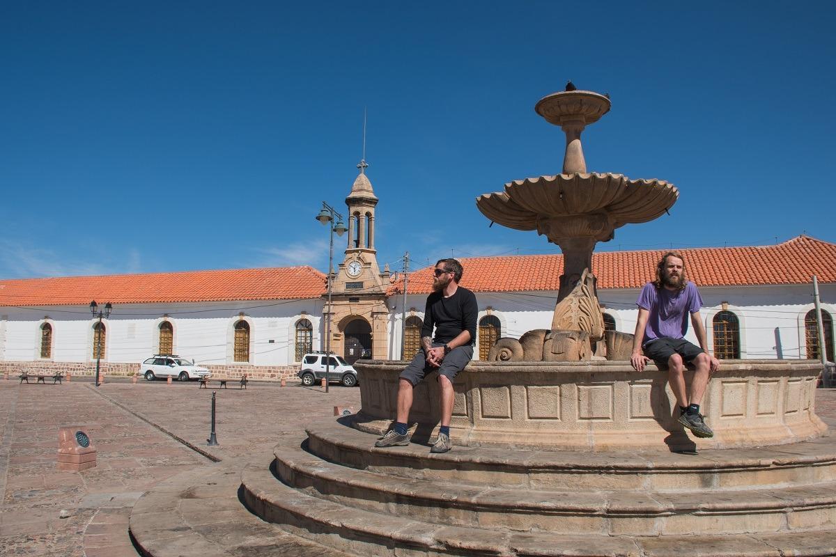 10 stvari, ki jih lahko počneš v Sucreju - Samostan in muzej Ricoleta ter vodnjak pred njim