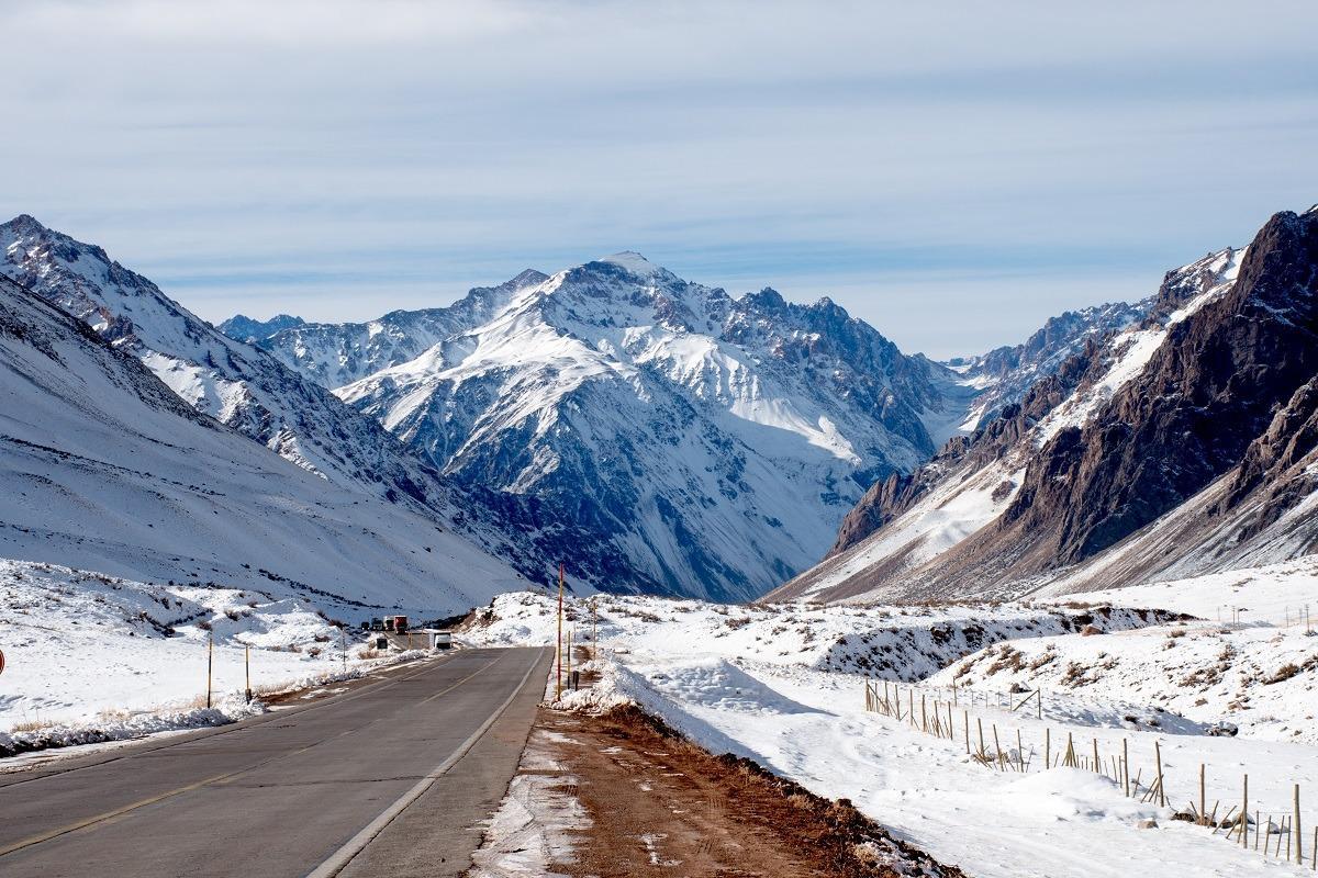 Zasnežen mejni prehod Argentina Čile