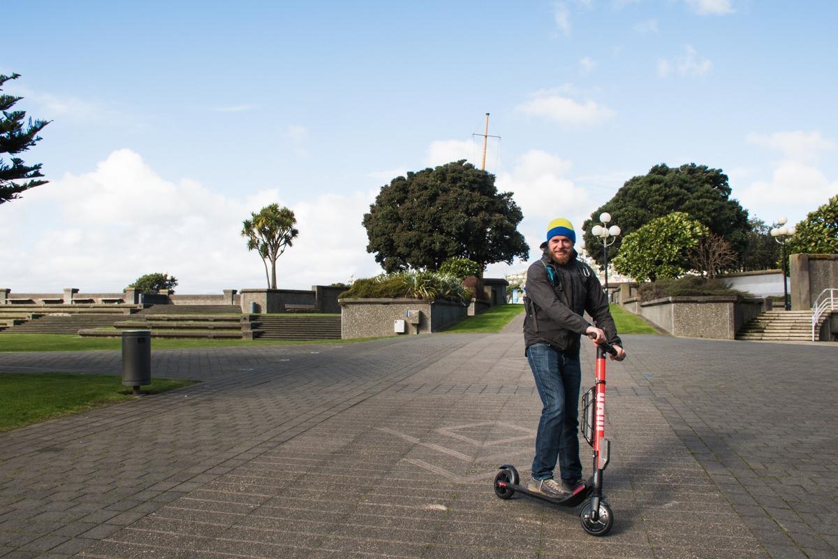 Moški na skiroju (Potepuški nasveti za Novo Zelandijo)
