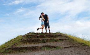 Najino enoletno poročno potovanje naslovna fotka
