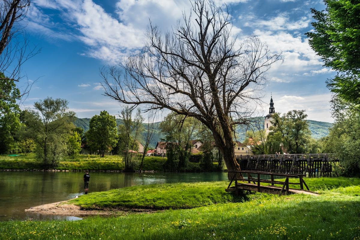 Pogled iz breka reke Krke na Kostanjevico na Krki