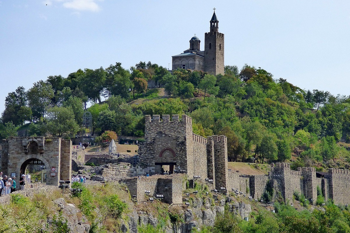 Veliko tarnovo in Bulgaria - houses and a fortress above