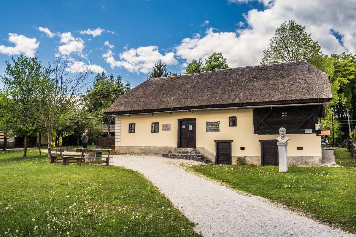 Jurčičeva domačija Muljava - ena izmed znamenitosti Dolenjske